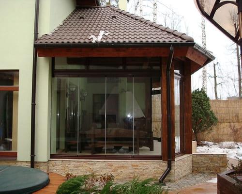 Stiklotas verandas un terases – vienmēr mūsdienu sākums komfortam.